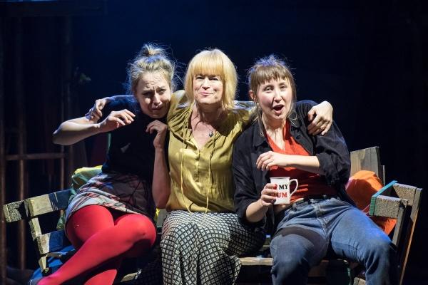 Scarlett Brookes, Lisa Palfrey & Erin Doherty in Junkyard