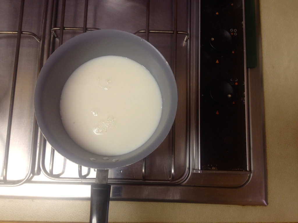 Heat the milk on low temperature for your latte
