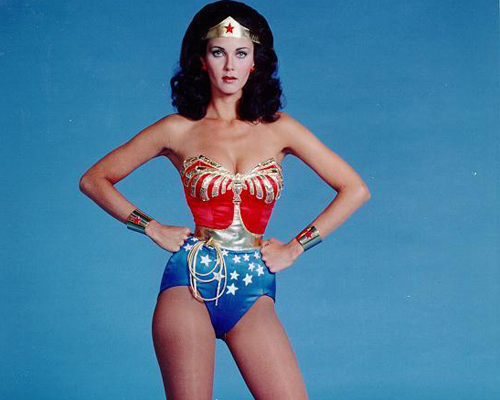 Wonder Woman knew how to strike a high-power pose
