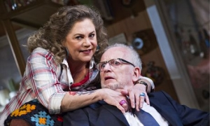 Kathleen Turner and Ian McDiarmid in Bakersfield Mist at the West End's Duchess Theatre in 2014