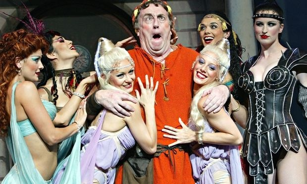 Desmond Barrit starred in Edward Hall's 2004 National Theatre production of A Funny Thing Happened on the Way to the Forum