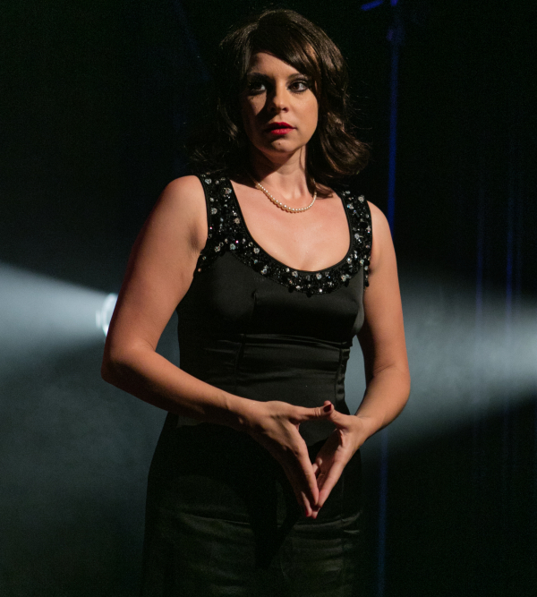 Lucy Williamson as Violet Chandler in The Fix